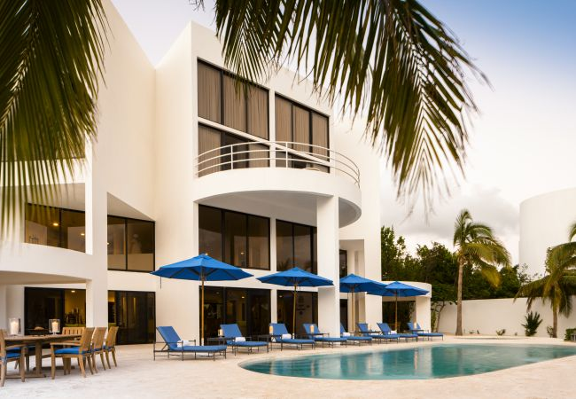 Villa/Dettached house in West End - Altamer Blue Diamond Villa