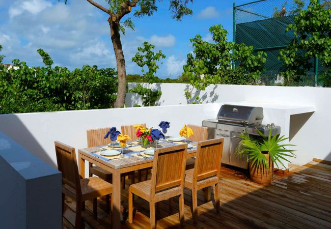 Villa in Sandy Hill - Zenaida Beach & Tennis Estate 4 Bedroom