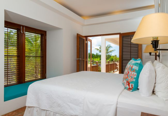 Villa in Meads Bay - Coconut Palm 3 bedroom Villa