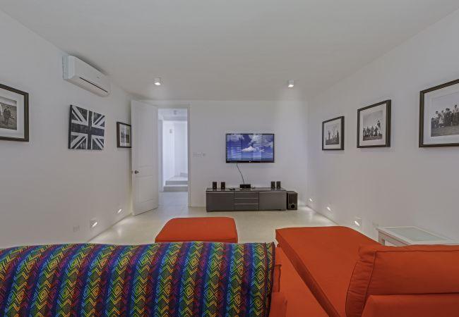 Villa in Long Pond - Colibri 6 Bedroom