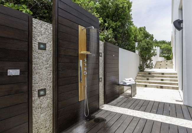 Villa in North Side - Kishti - Black Garden Villa - 4/5 Bedroom