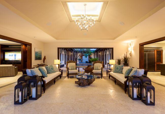 Villa in Long Bay - Nevaeh 8 Bedroom Villa - Non inclusive