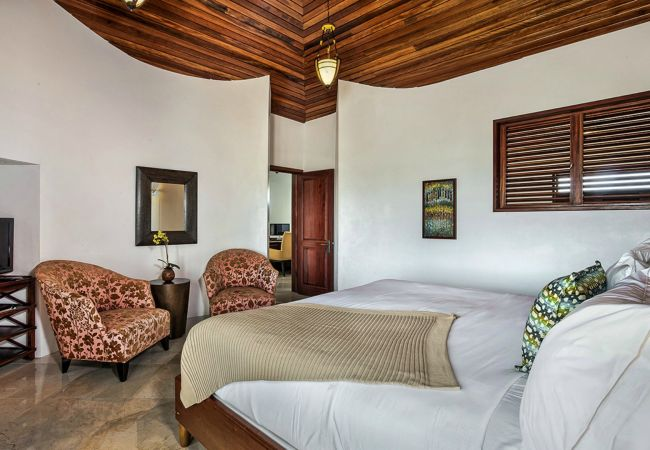 Villa in West End - Sheriva Mystique 5/6 Bedroom Grand Villa Pool Suit