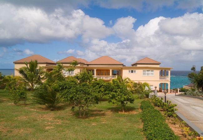 Villa in Shoal Bay - Ultimacy 8 Bedroom Villa