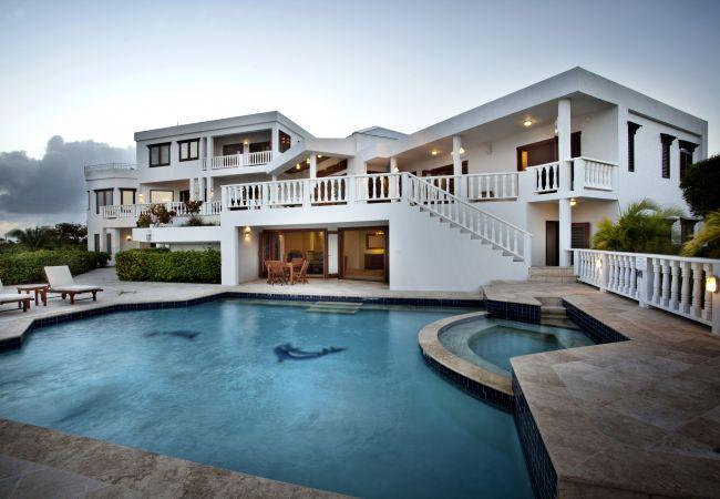 Villa in West End - Sheriva Infinity 8 Bedroom