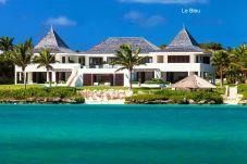 Villa in Little Harbour - Le Bleu Villa