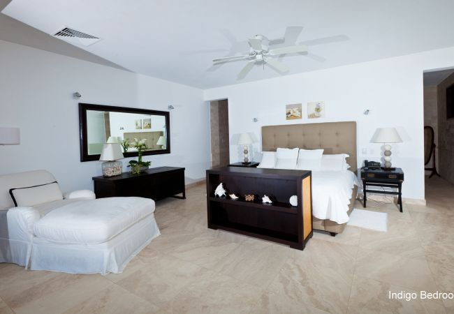 Villa in Little Harbour - Le Bleu Villa 7 Bedroom