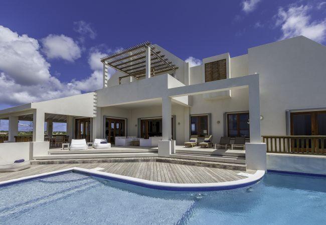 Colibri 4 Bedroom villa