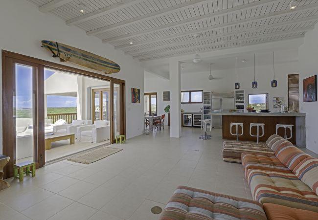 Villa in Long Pond - Colibri 4 Bedroom