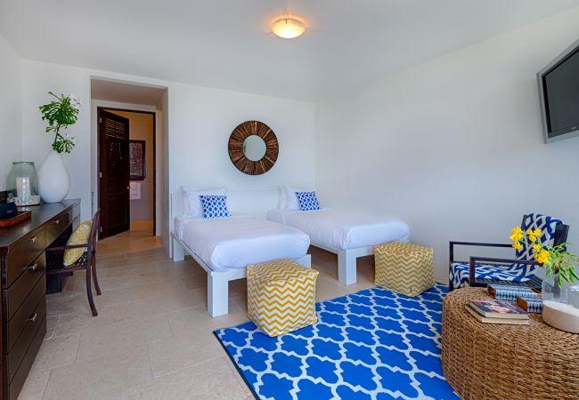 Villa in Little Harbour - Triton 5 Bedroom Villa - Kamique