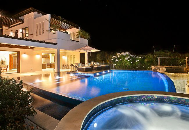 Villa in Long Bay - Nevaeh 8 Bedroom Villa - Inclusive