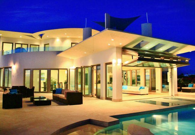 Villa in West End - Modena 4 Bedroom Villa